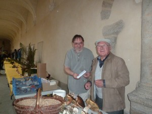 nos deux mycologues Marcel et Michel